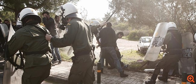Επεισόδια στην πορεία των φοιτητών στο Καβούρι