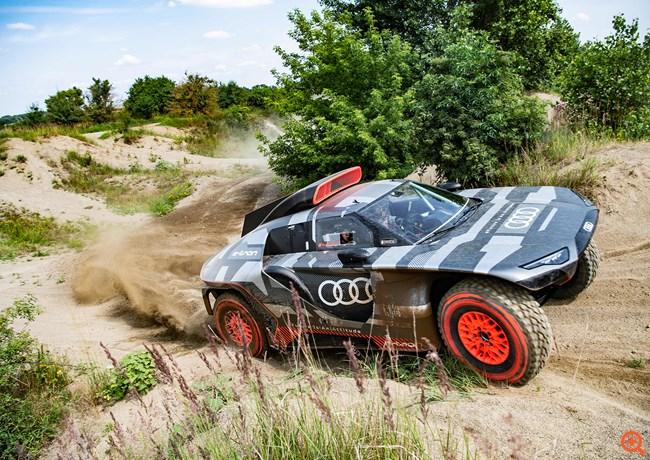 Η Audi δοκιμάζει το ηλεκτρικό RS Q e-tron για το Ράλι Ντακάρ