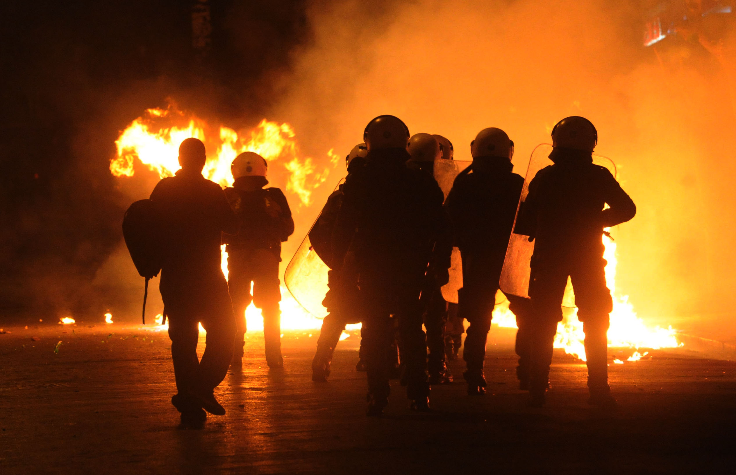 Αποτέλεσμα εικόνας για Εξάρχεια, Μολότοφ, Ι.Χ., Ταραχές