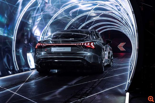 Φαντασμαγορική πρεμιέρα για το ηλεκτρικό Audi e-tron GT