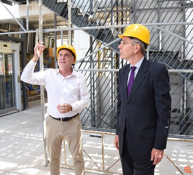 """Επίσκεψη του Αμερικανού Πρέσβη στο """"Anna Papageorgiou STEM Center"""" του Ανατόλια που κατασκευάζει η ΕΛΛΑΚΤΩΡ"""