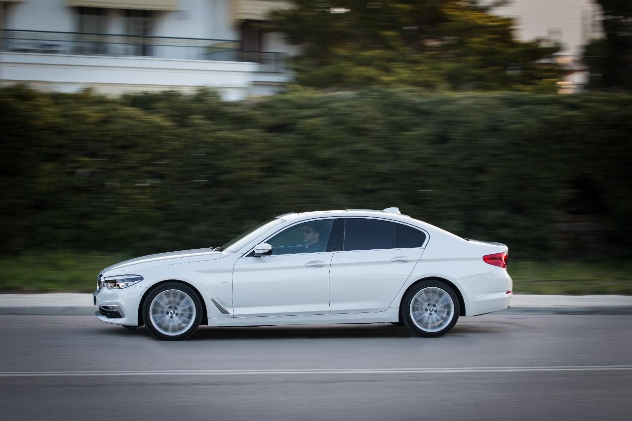 BMW  Οδηγούμε την νέα σειρά 5 στην Ελλάδα (vid.) 997f2fb9176