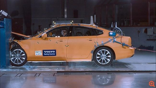 Δύο δεκαετίες για το Volvo Cars Safety Center