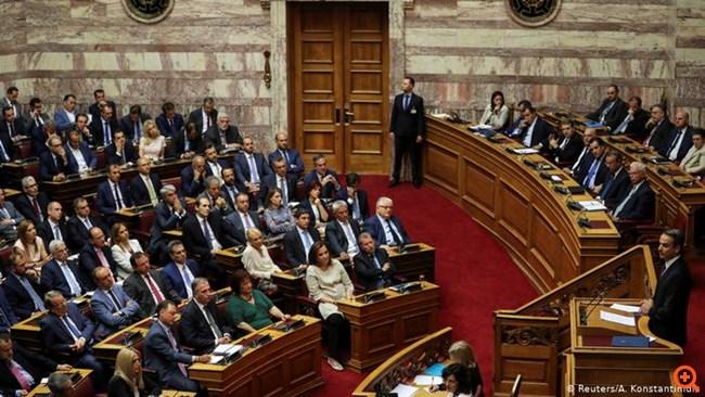 FAZ: Η Αθήνα πιέζει για χαμηλότερους στόχους