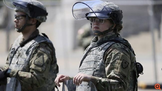 ΗΠΑ: Χιλιάδες αστυνομικοί και στρατιώτες έχουν κατακλήσει 15 πόλεις