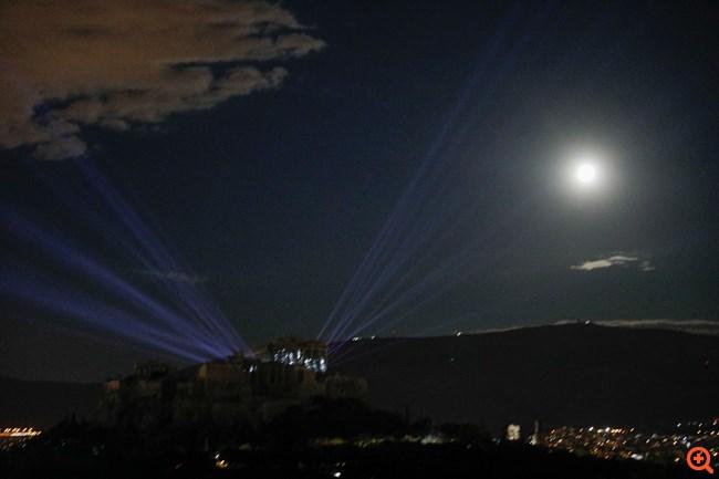 Ακρόπολη: Εντυπωσιακός νέος φωτισμός του Ιερού Βράχου μετά από 16 χρόνια