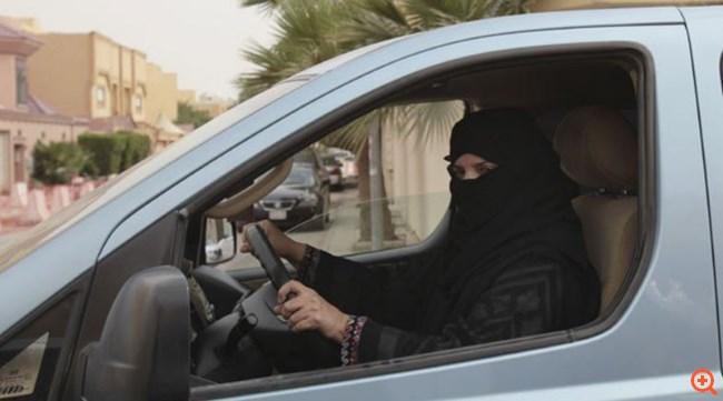 """""""Ιστορική απόφαση"""" στη Σαουδική Αραβία: Οι γυναίκες αποκτούν """"δικαίωμα"""" στην οδήγηση"""