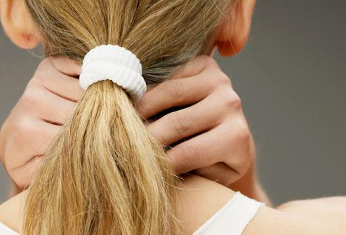 Πονοκέφαλος; Μήπως φταίει το χτένισμά σας;
