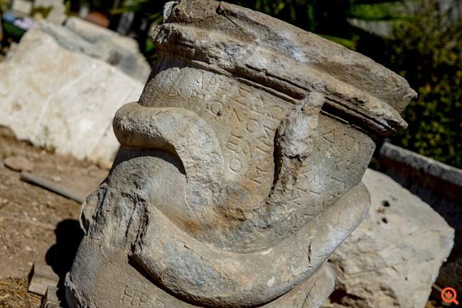 Βωμός 2.000 ετών με ελληνική γραφή βρέθηκε στα αρχαία Πάταρα, κοντά στην Αττάλεια