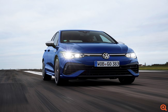 8 λεπτά αδρεναλίνης με το Volkswagen Golf R των 320 ίππων
