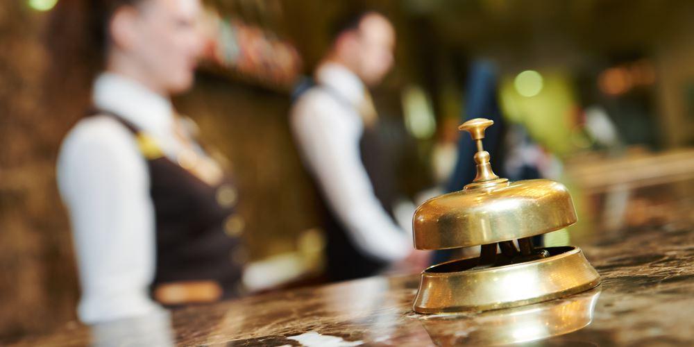 """Πτώση στις πληρότητες των ξενοδοχείων - """"καμπανάκι"""" ανησυχίας από τους ξενοδόχους"""
