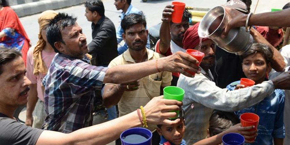 Ινδία: Τουλάχιστον 36 νεκροί από τον καύσωνα που σαρώνει τη χώρα