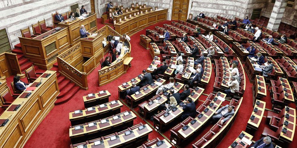 Βουλή: Δεκτή  τροπολογία για παρατάσεις συμβάσεων στο ΕΣΥ