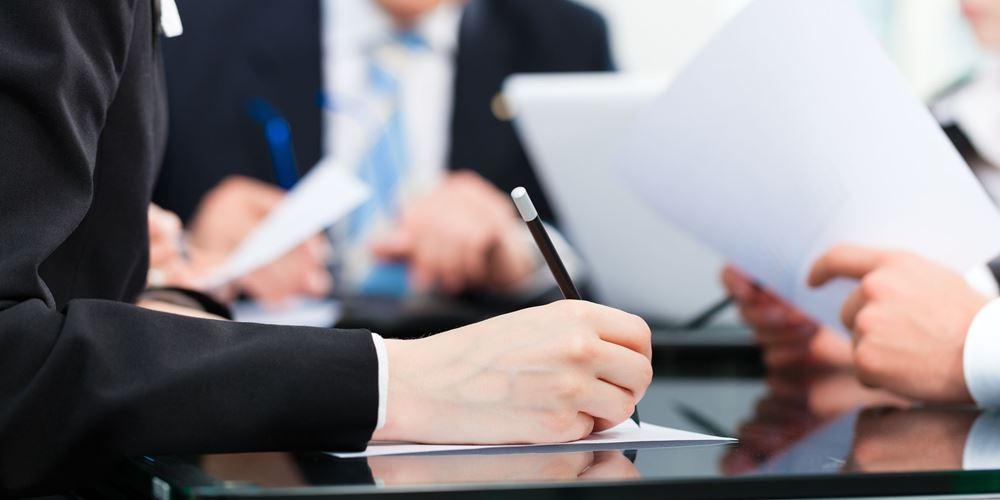 Οι θεσμοί γράφουν fast track αξιολόγηση με κριτική για παροχολογία και 5,5 δισ. ευρώ