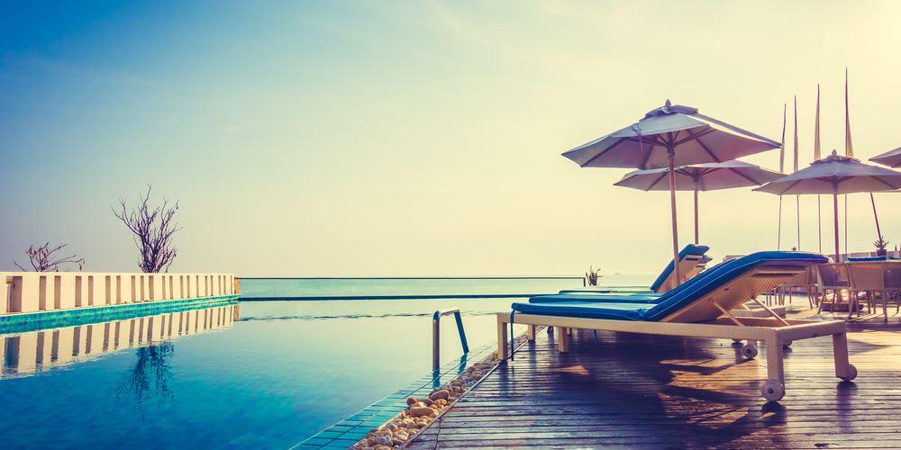 Μεγαλύτερες μειώσεις φόρων στο τουριστικό πακέτο ζητούν οι επιχειρήσεις