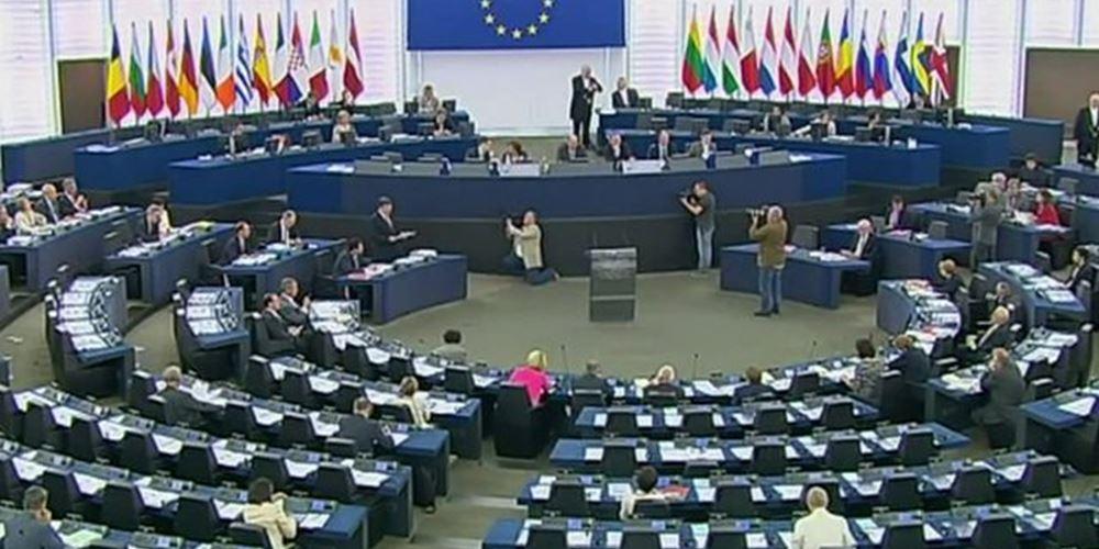 Ευρωεκλογές: Μείωση των εδρών τους πρέπει να αναμένουν το ΕΛΚ και το ΕΣΚ