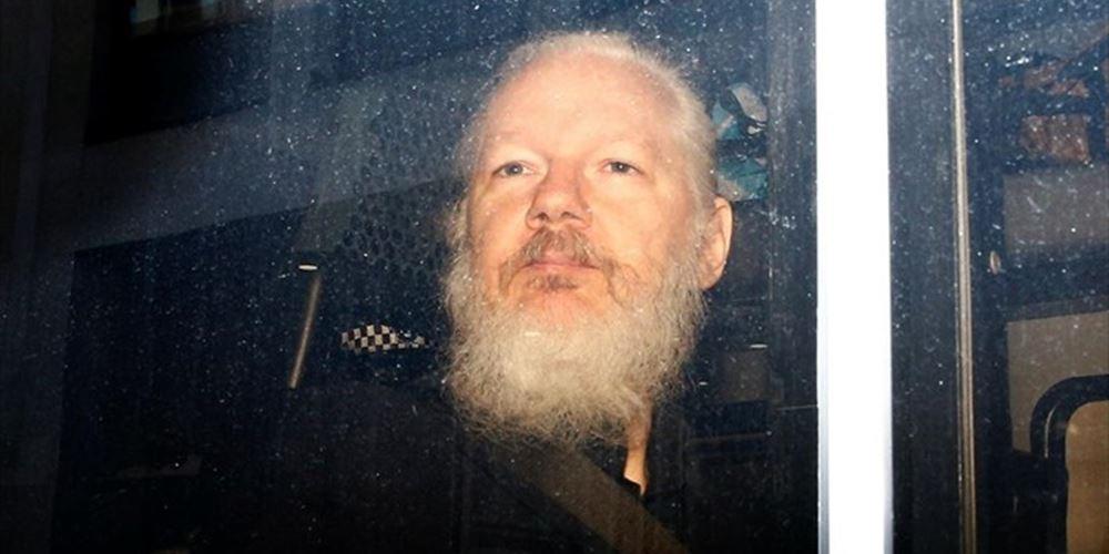 ΗΠΑ: Απαγγέλθηκαν 17 κατηγορίες για κατασκοπεία κατά του Τζ. Ασάνζ