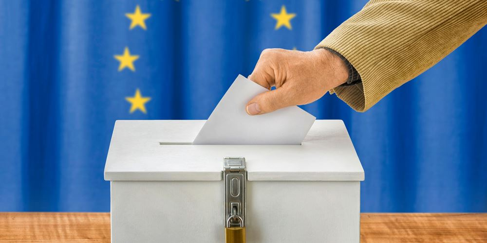 Ευρωεκλογές: Άνοιξαν οι κάλπες σε Τσεχία και Ιρλανδία