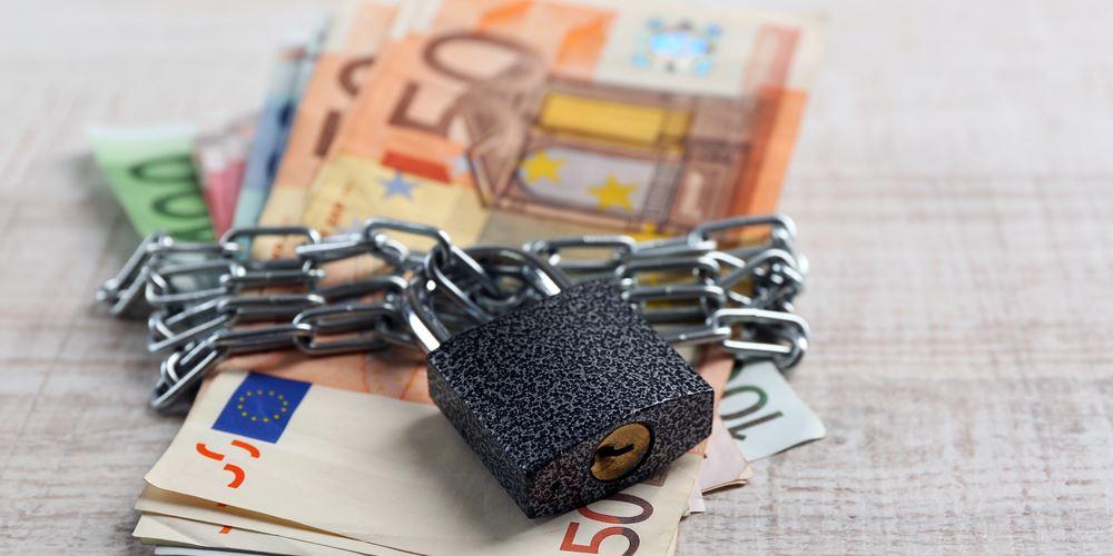Πόσο και πώς αυξάνεται το ακατάσχετο όριο σε τραπεζικό λογαριασμό
