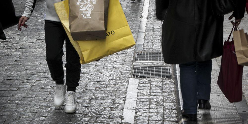 ΕΣΕΕ: Στα 15-20 δισ. ευρώ οι ετήσιες απώλειες της αγοράς από το παρεμπόριο