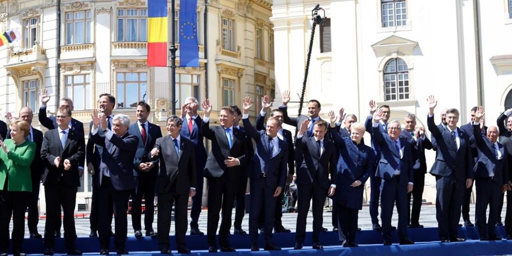 """Σύνοδος Κορυφής ΕΕ: Πάνω απ' όλα ενότητα για μια ισχυρή Ευρώπη, η διακήρυξη των """"27"""""""