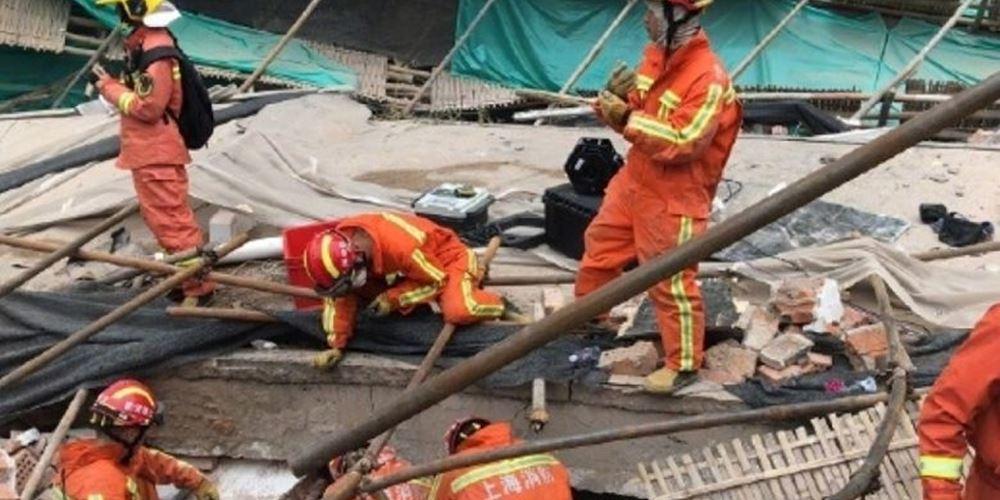 Κίνα: Τουλάχιστον εννιά παγιδευμένοι σε κατάρρευση κτηρίου στη Σανγκάη