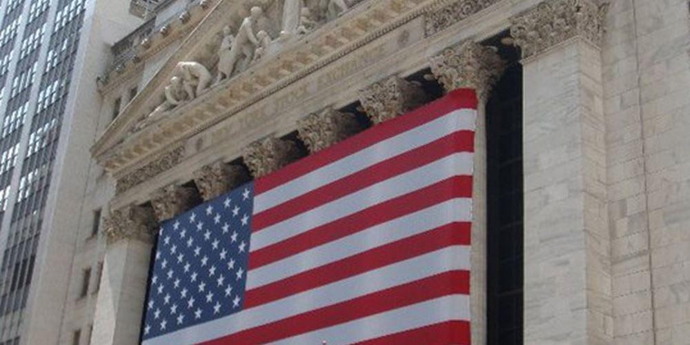 Κλονίζει την Wall Street η σύλληψη στελέχους της Huawei