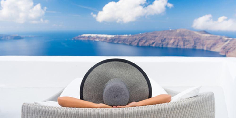 Λιγότεροι οι ξένοι τουρίστες που επιλέγουν Ελλάδα