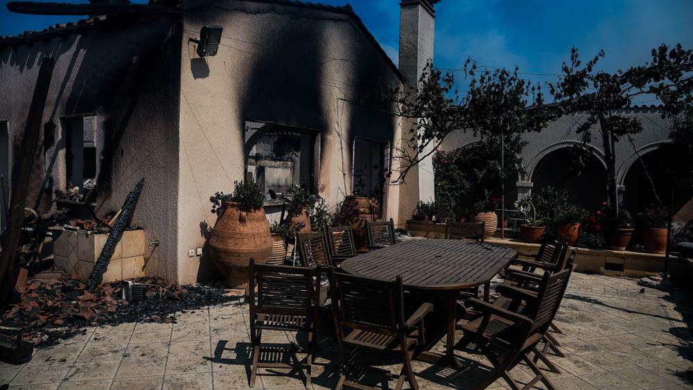 Εικόνα ύφεσης παρουσιάζει η πυρκαγιά στον Σχίνο