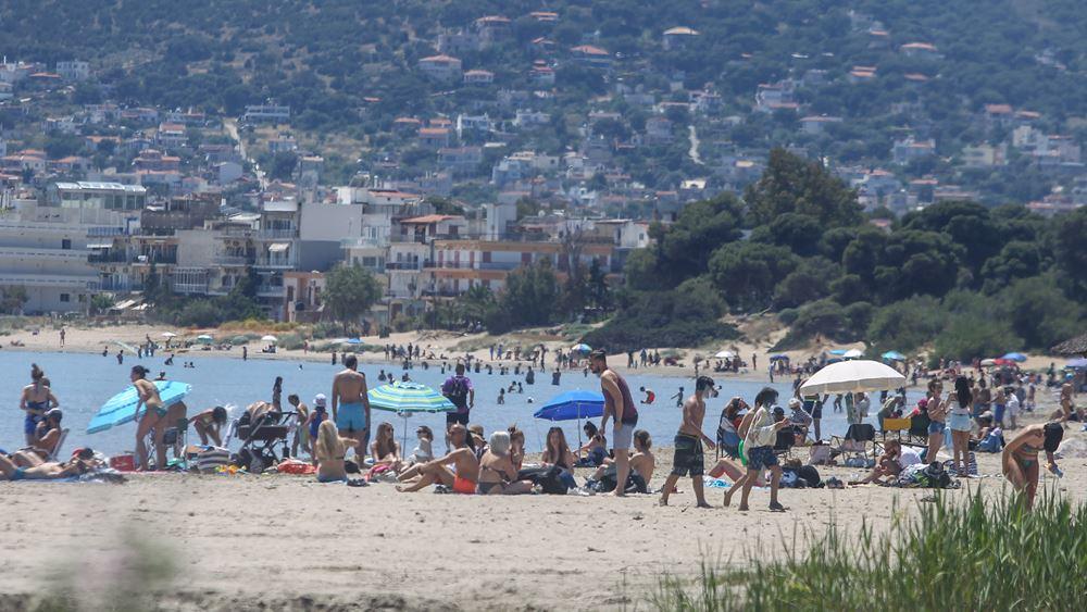Χαλάρωση των περιορισμών στις παραλίες - Τι προβλέπει το νέο πλαίσιο