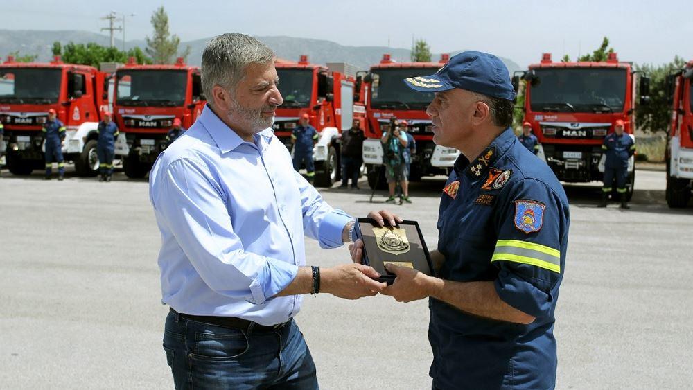 Με 35 πυροσβεστικά οχήματα ενισχύει την Πυροσβεστική η Περιφέρεια Αττικής