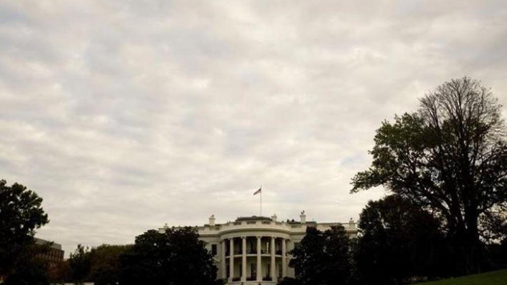 Ο Λευκός Οίκος δεν εξετάζει την περίπτωση 3μηνης αναβολής των δασμών