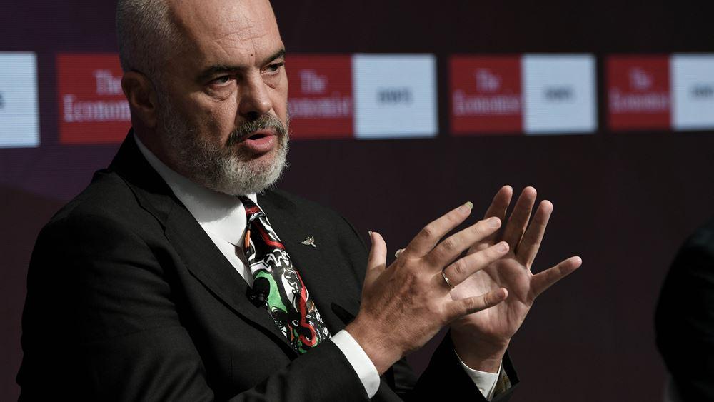 """Αλβανία: Η χώρα είναι """"έτοιμη"""" να δεχθεί Αφγανούς πρόσφυγες που έχουν τεθεί στο στόχαστρο των Ταλιμπάν"""