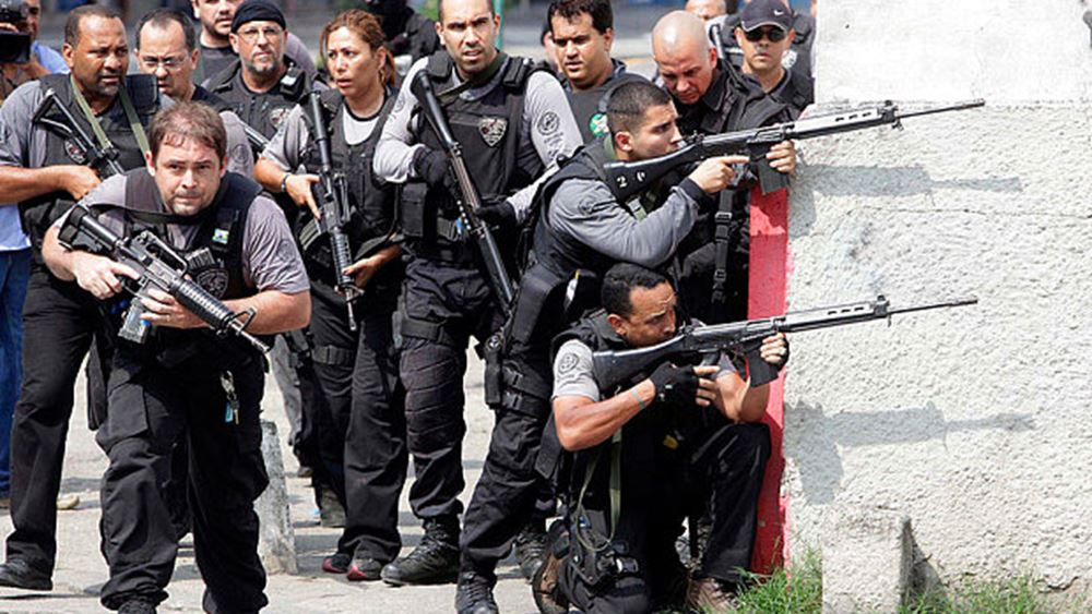 Βραζιλία: Στρατιώτες έριξαν 80 σφαίρες σε αυτοκίνητο οικογένειας - Το μπέρδεψαν με το όχημα διαφυγής ληστών