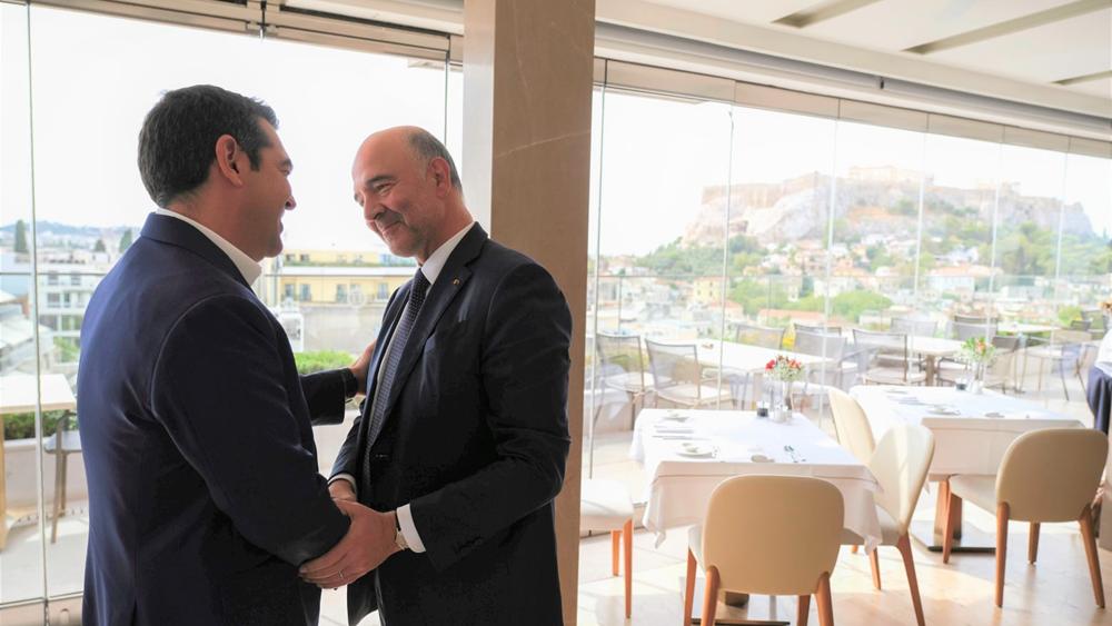 Τι συζήτησαν Τσίπρας- Μοσκοβισί για την πορεία της ελληνικής οικονομίας
