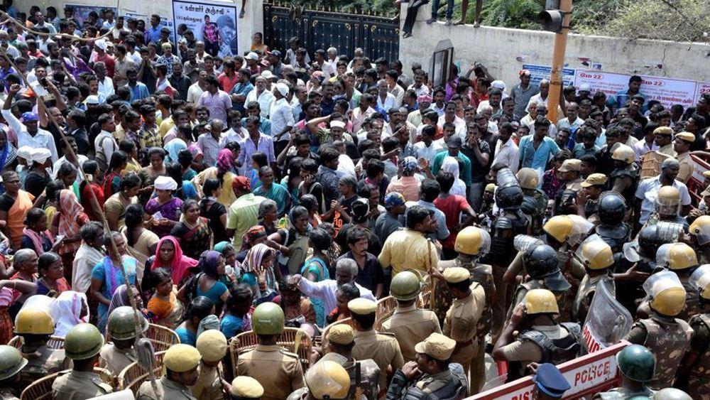 Ινδία: Έξι νεκροί στις διαδηλώσεις κατά του νόμου που διευκολύνει την απόκτηση ινδικής ιθαγένειας