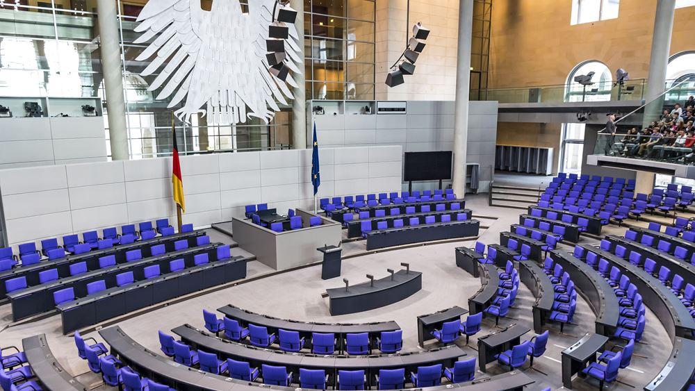 Γερμανία: Νέο δανεισμό 156 δισ. ευρώ για τη μάχη του κορονοϊού αποφάσισε η Bundestag