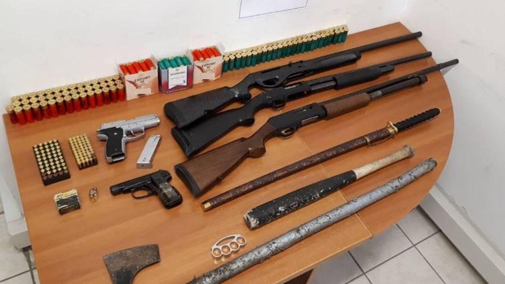 Καστοριά: Όπλα, φυσίγγια και κροτίδες βρήκαν αστυνομικοί στo σπίτι 47χρονου