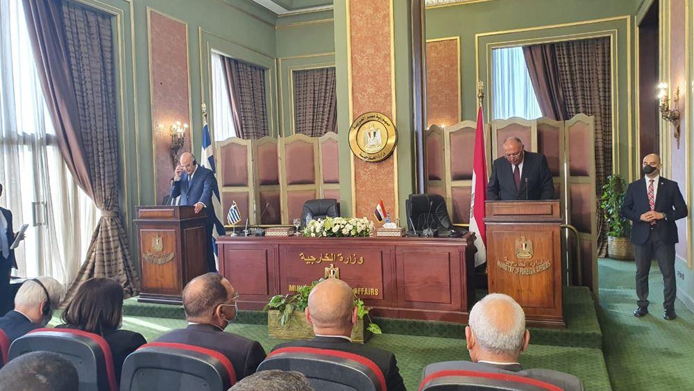 Ικανοποίηση ΥΠΕΞ για τη συμφωνία με Αίγυπτο