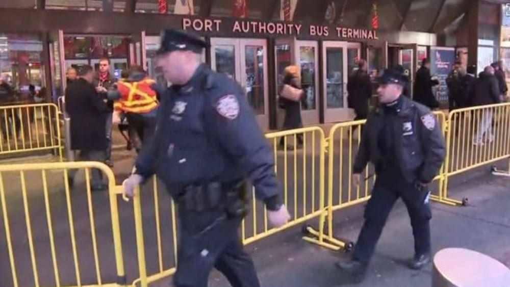 Ν. Υόρκη: Η αστυνομία αναζητά την οικογένεια και τους φίλους του δράστη της επίθεσης