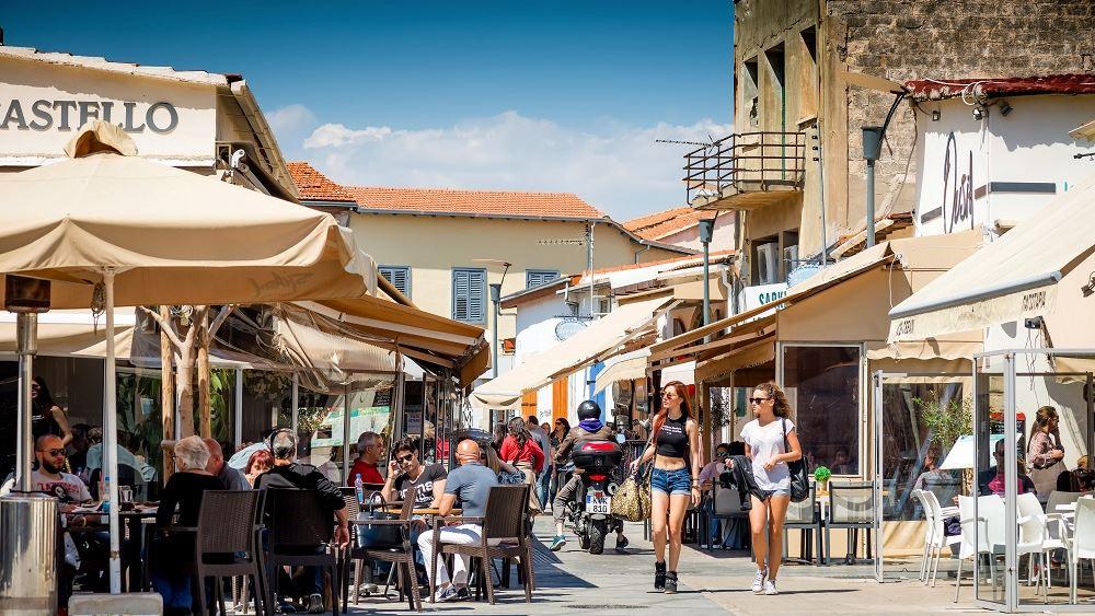 Κύπρος: Μόνο καθήμενοι στους χώρους εστίασης- SafePass για συναθροίσεις άνω των 20 ατόμων