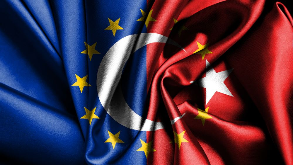 Γιοχάνες Χαν: Ζητά πράξεις από την Τουρκία για να βελτιωθούν οι σχέσεις της με την ΕΕ