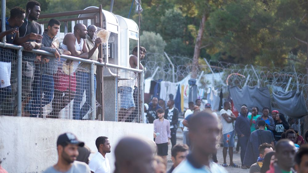 Σε στρατόπεδο φιλοξενίας στη Ριτσώνα μεταφέρονται από τη Σάμο 634 αιτούντες άσυλο