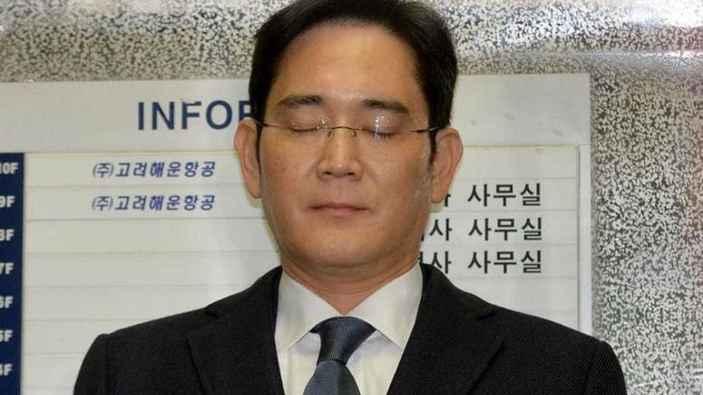 Ένταλμα σύλληψης για τον αντιπρόεδρο της Samsung ζητούν οι εισαγγελείς της Ν. Κορέας