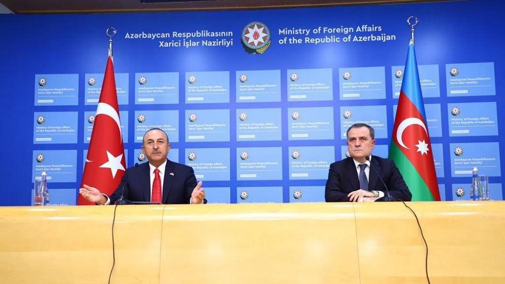 Τσαβούσογλου: Η διεθνής κοινότητα πρέπει να στηρίξει το Αζερμπαϊτζάν στο Ναγκόρνο Καραμπάχ