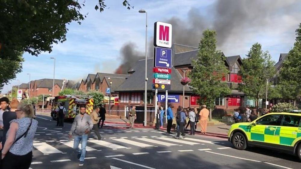 Λονδίνο: Μεγάλη πυρκαγιά στο Mall του Walthamstow
