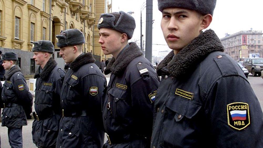 Ρωσία: Περισσότερα από 400 άτομα συνελήφθησαν σε διαδήλωση υπέρ του Γκολουνόφ