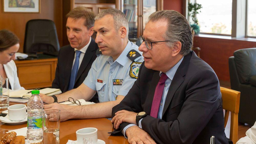 Συνάντηση Κουμουτσάκου - επικεφαλής της αντιπροσωπείας της Κομισιόν στην Ελλάδα