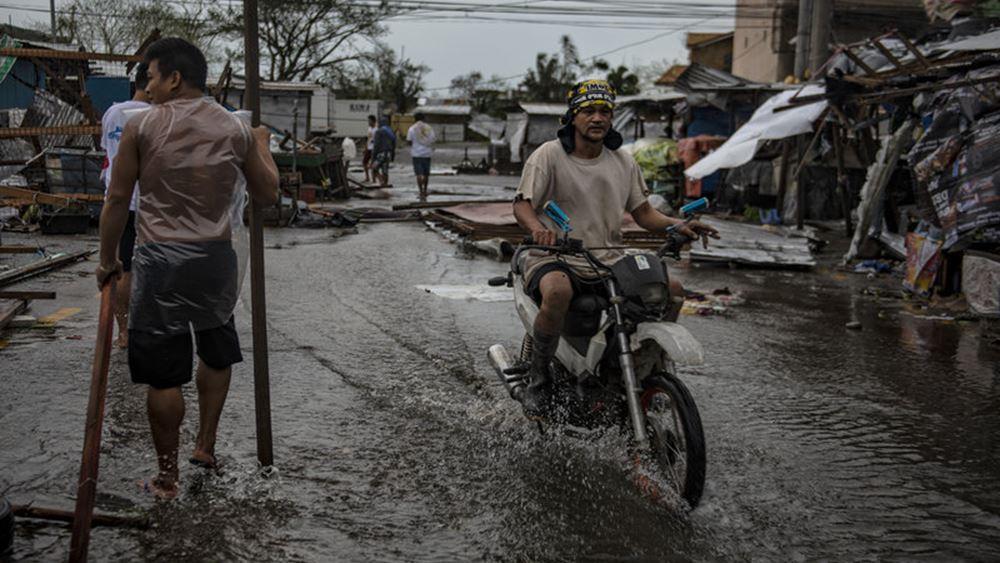 Φιλιππίνες: Τουλάχιστον 16 νεκρούς αφήνει πίσω του ο τυφώνας Φανφόν