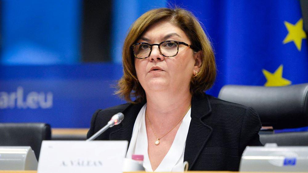 Τη Ρουμάνα Αντίνα Βαλεάν προτείνει για Επίτροπο Μεταφορών η Ούρσουλα φον ντερ Λάιεν